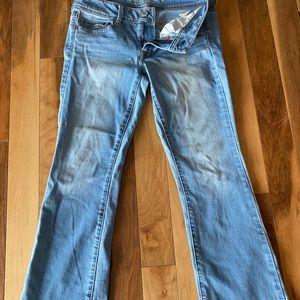 Vintage AE boot cut jeans 8 short light wash